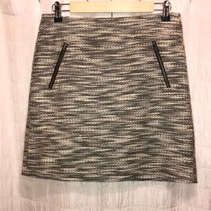 Beautiful black and off-white skirt from Loft.